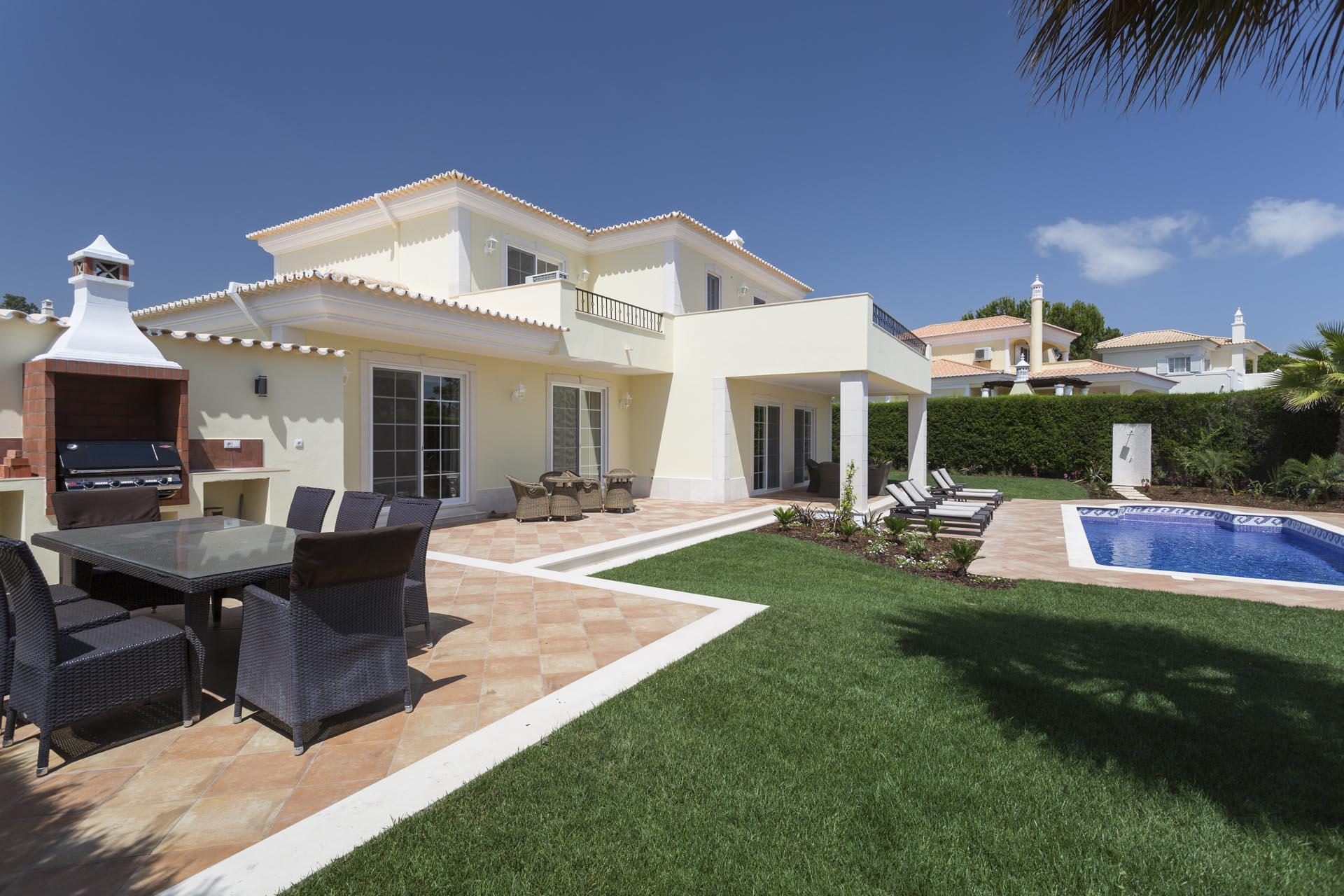 Rapala Encosta do Lago Vilamoura Vale do Lobo-Quinta do Lago Algarve Properties Rentals